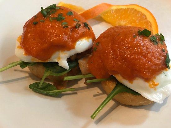 Red Star Tavern: Veggie Eggs Benny