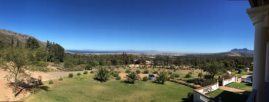 Gordon's Bay, Sudáfrica: Grandiose Sicht aus der sehr tollen, geräumigen Suite auf der oberen Etage.