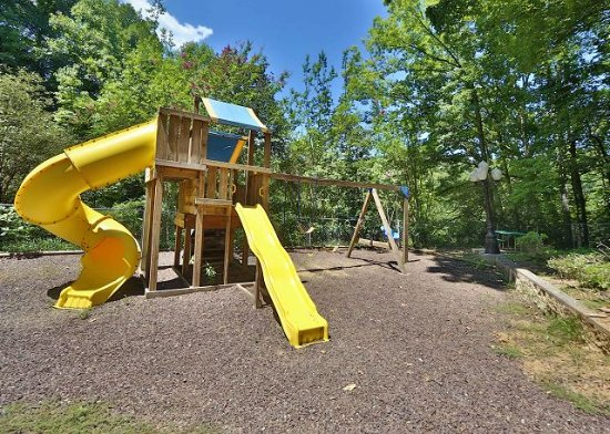 Smoky Mountain Resort, Lodging, & Conference Center: Play Area