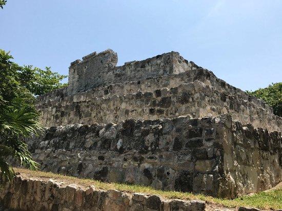 Museo Maya de Cancun: Largest site ruin