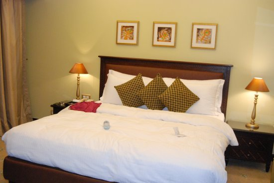 Le Royal Hotel Amman: Comfortable, spacious room with great mattresses and bed linen