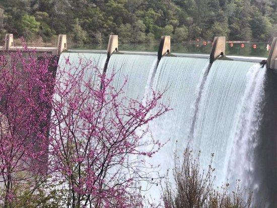 Auburn, Καλιφόρνια: Lake Clementine Dam