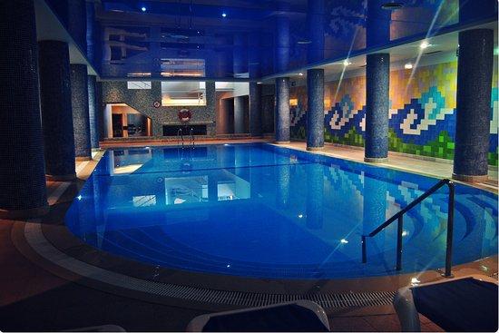 Falésia Hotel : Piscina interior