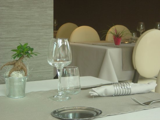 Bourg-les-Valence, Frankrig: Salle à manger principale restaurant Seyvet