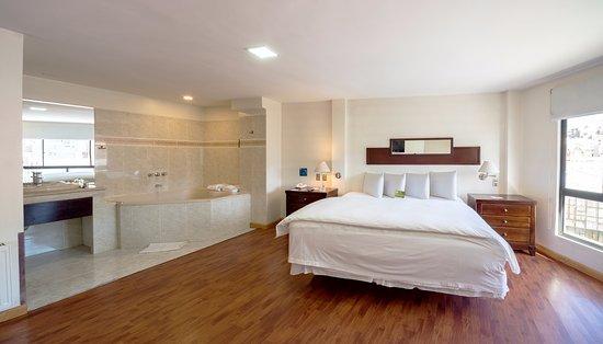 Hotel LP Columbus: Suite Room