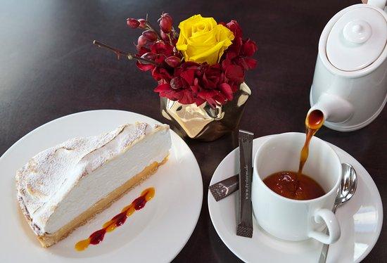 Kaffee Und Kuchen Im Restaurant Sphere Bild Von Restaurant Bereich
