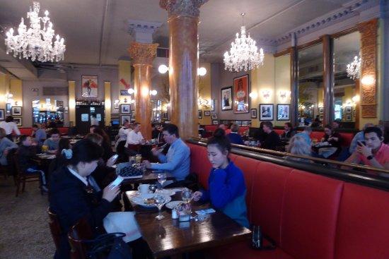 Cafe Trois Nj