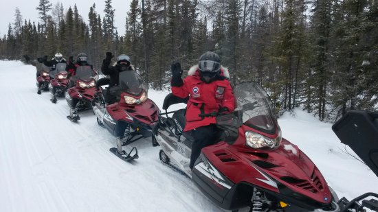 Yellowknife Outdoor Adventures: Our return trip through the forest to Yellowknife