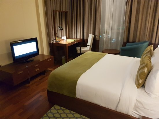 Bon Ramada Downtown Dubai: One Bedroom Suite   Bedroom