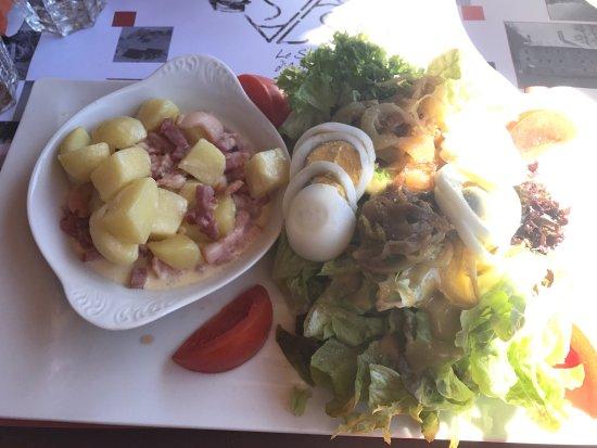 Nancroix, France: Salade savoyarde Miam un régal