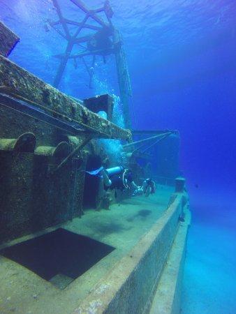 Kittiwake Shipwreck & Artificial Reef: Diving at the USS Kittiwake