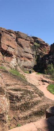 Belogradchik, Bulgária: Скалы невероятные! Виды живописные, людей не много, очень довольна поездкой и всем рекомендую. С