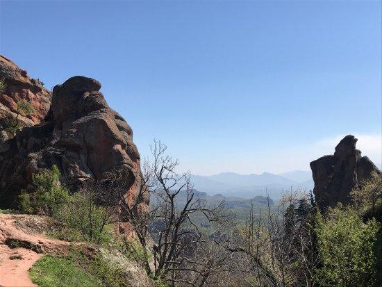 Belogradchik, Bulgaria: Скалы невероятные! Виды живописные, людей не много, очень довольна поездкой и всем рекомендую. С
