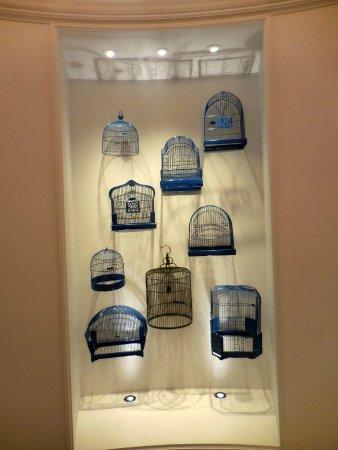 Kimpton Hotel Monaco Pittsburgh: Bird theme!