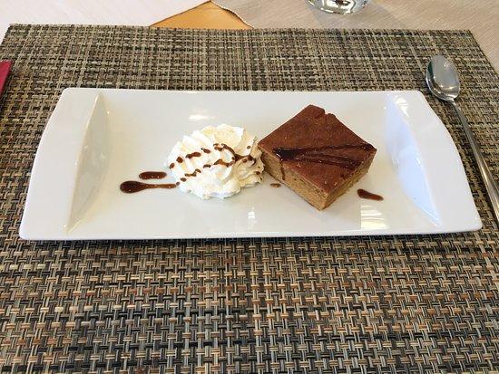 Avenches, สวิตเซอร์แลนด์: petit dessert au café