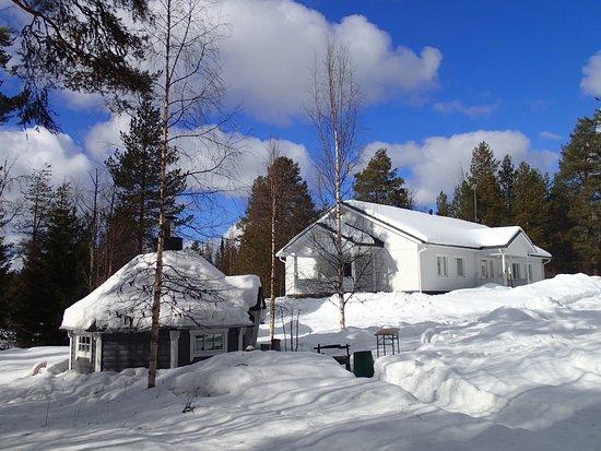 Martinselkonen Wilds Centre: hotel grounds