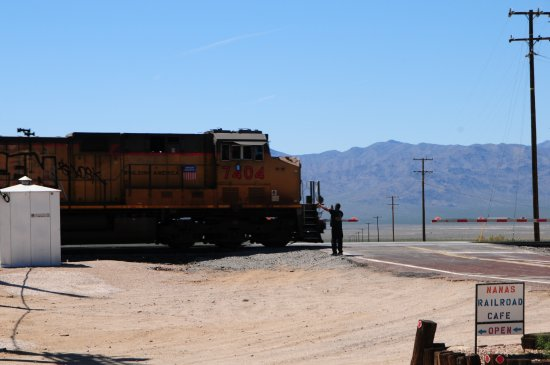 Nipton, Californië: Railroad crossing