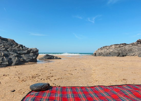 Treyarnon Bay Beach: Great places to chill out on a picnic blanket - some nice and sheltered