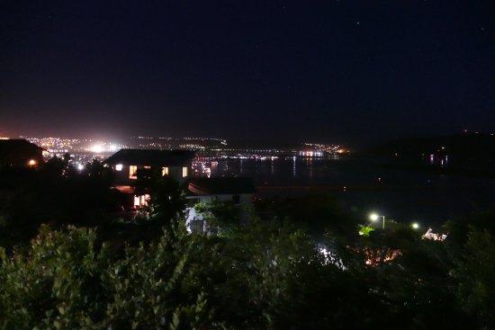 Thebloem  Guest Suites: Aussicht bei Nacht