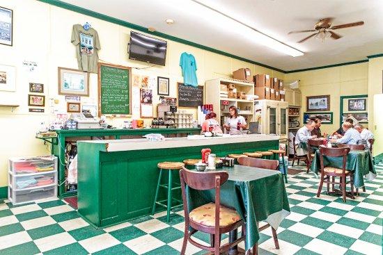 Thomas Cafe: Inside the Thomas Restauraant