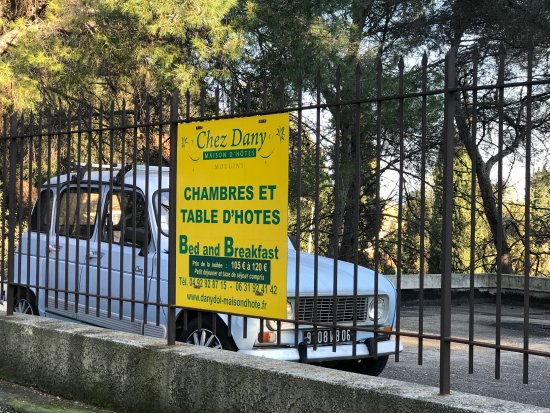 Chez Dany - Maison D'Hotes : Entrance of the BnB place