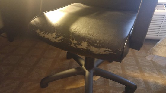 Canton, MI: Office chair in need of replacement