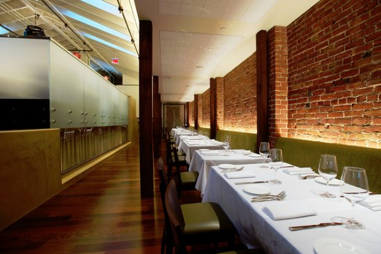 Pampas: One side of the main dining room, also can be reserved for private events of 20 or 40 people.