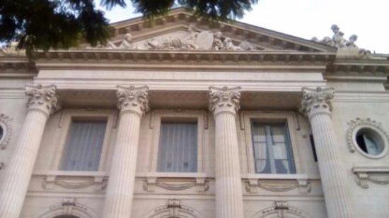 Museo Nacional De Arte Decorativo: de afuera