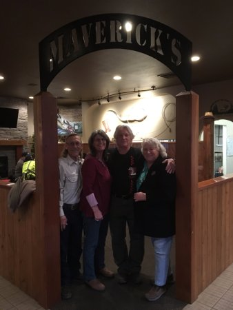Colville, WA: Good food and good friends! Mavericks is a great meeting place for great food!