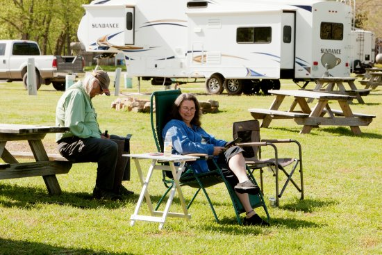 Cotter, AR: Relaxing at Denton Ferry RV