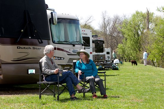 Cotter, AR: Relaxing by the rivers edge at Denton Ferry RV