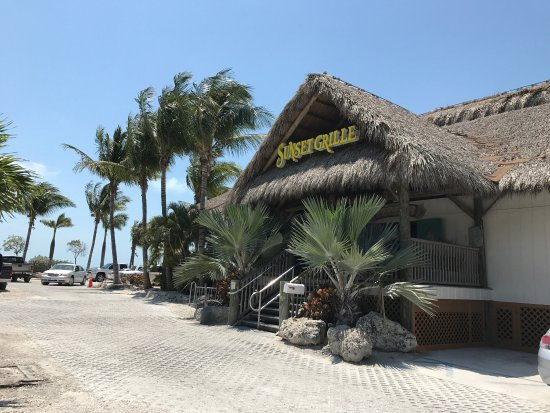 Sunset Grille And Raw Bar: Good Food, Pool And Tiki Bar Outside As There