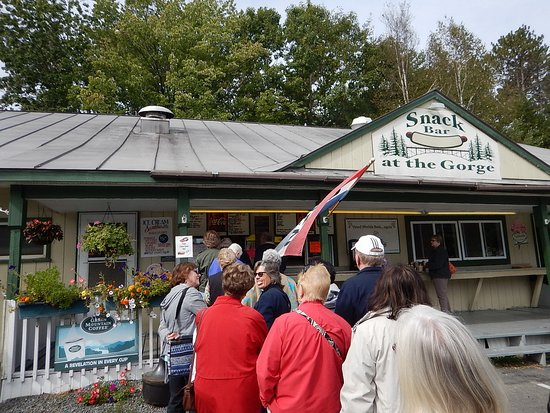 A long line at the Quechee Gorge Snack Bar!