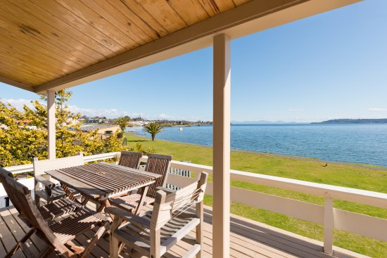 Oasis beach resort updated 2018 hotel reviews price for 110 lake terrace taupo