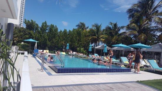 Courtyard Cadillac Miami Beach Oceanfront Miami Beach Fl