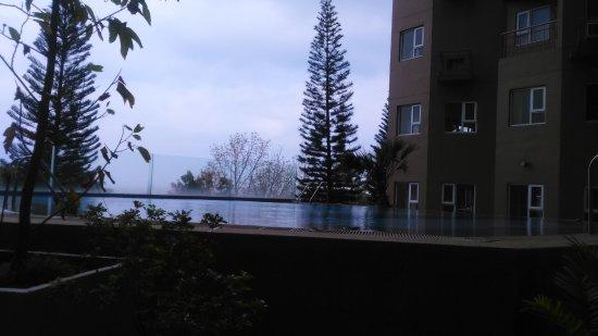 Laurel, Philippines: Swimming Pool at The Peak
