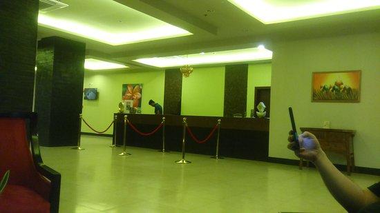 Laurel, Philippines: The Peak Lobby
