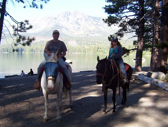 South Lake Tahoe, Californien: Riding near Fallen Leaf Lake