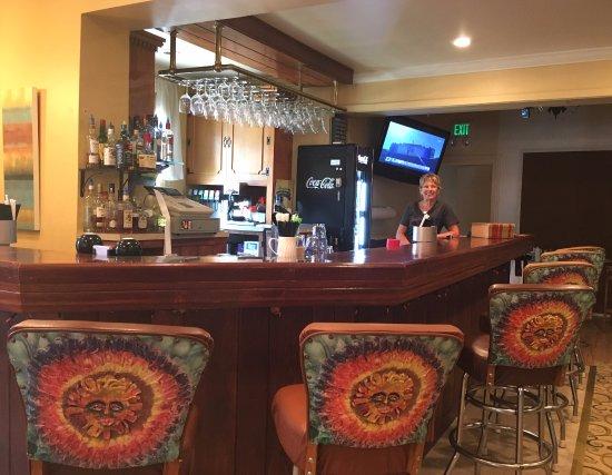 Mount Pleasant, PA: Bar