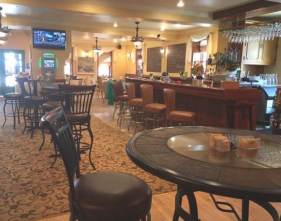 Mount Pleasant, PA: Bar Area