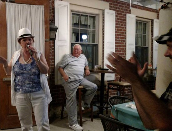 Mount Pleasant, PA: Music on the Porch