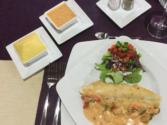 El Gastor, España: Witvis met puree en sausje
