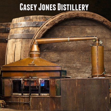 Hopkinsville, KY: Want new information on an old art? Casey Jones Distillery for authentic KY moonshine!