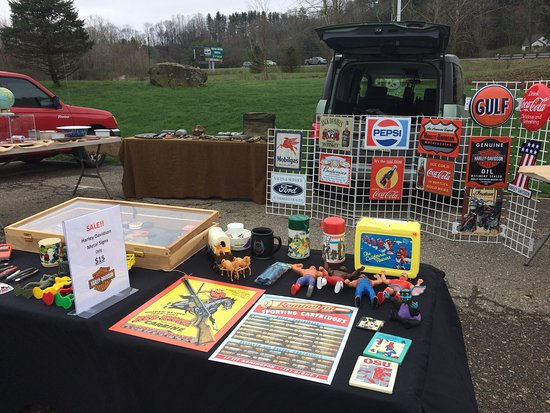 Rockbridge, OH: Follow me on Twitter to get a sneak peak of the Hocking Hills flea market @brandonzelma