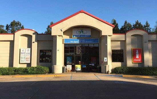 Natchitoches, LA: Shop-a-Lott