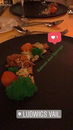 Ludwig's Restaurant: Salmon and Sponge