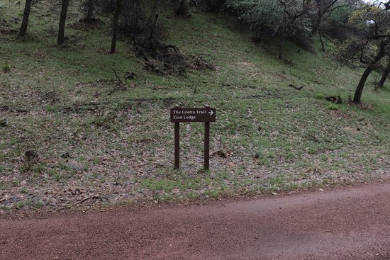 Grotto Trail - sign