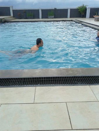 Grand Pacific Hotel: rooftop swiming pool