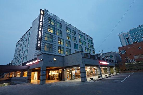 Royal Square Hotel