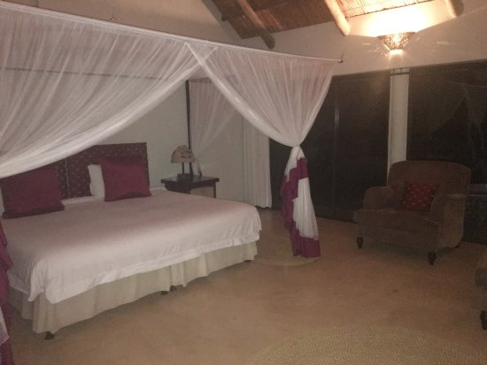 Leopard Walk Lodge: photo0.jpg